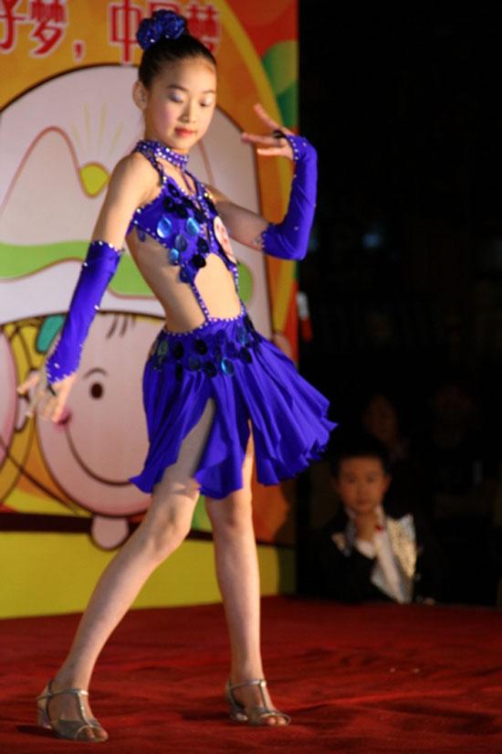冯可爱儿童舞蹈
